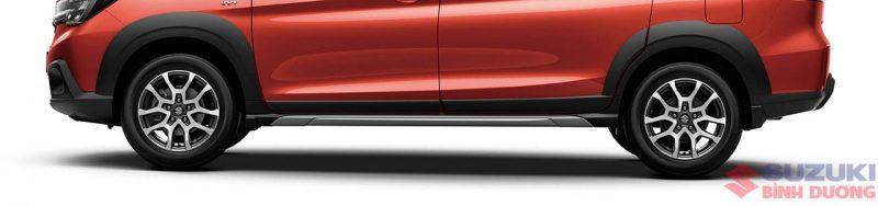 Ốp bảo vệ hông xe Suzuki XL7 Car: /m/0k4j Suzuki: /m/02ws0w Xe tải :/m/07r04