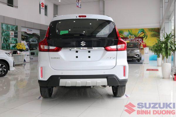 Suzuki XL7 1