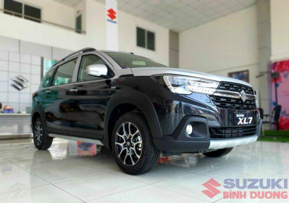 Suzuki XL7 12
