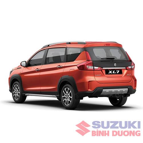 gia xe suzuki xl7 2021