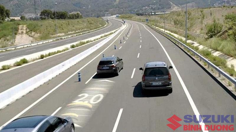hệ thống cruise control Car: /m/0k4j  Suzuki: /m/02ws0w