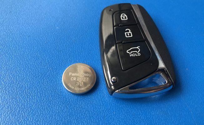 thay pin chia khoa xe